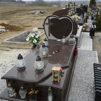 Nagrobki pojedyńcze Marek Grudzień Iwaniska